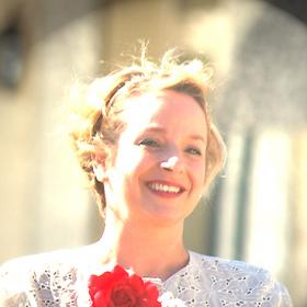 Karine Wegel, Célébrant de Vie® certifiée pour votre cérémonie de mariage personnalisée